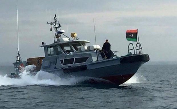 توقيف قارب صيد داخل المياه الإقليمية الليبية