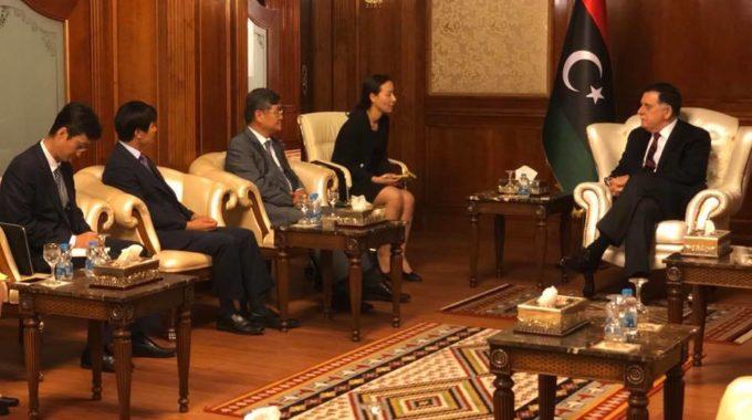 السراج يطلع خارجية كوريا الجنوبية على جهود ليبيا بشأن مواطنها المختطف