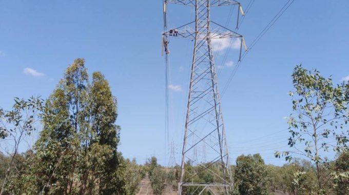 لجنة أزمة الكهرباء تناشد الأطراف بتسهيل وصول فرق الصيانة إلى المواقع المتضررة