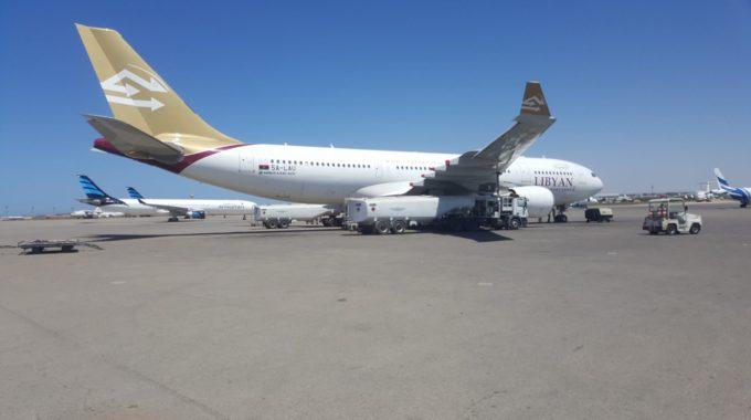 عودة الحركة من مطار معيتيقة وإليه بعد تعليقها لساعات