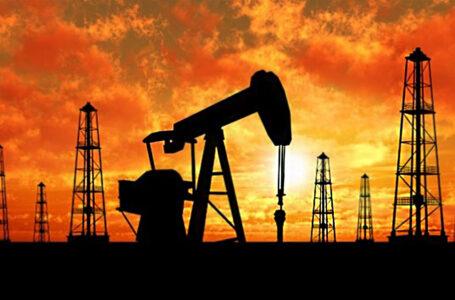 أسعار النفط العالمية ترتفع بعد انخفاض شديد
