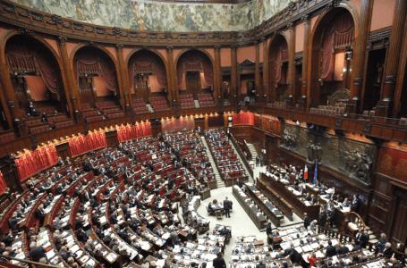 البرلمان الإيطالي: ندرس الوضع بليبيا لتأمين مصادر الطاقة