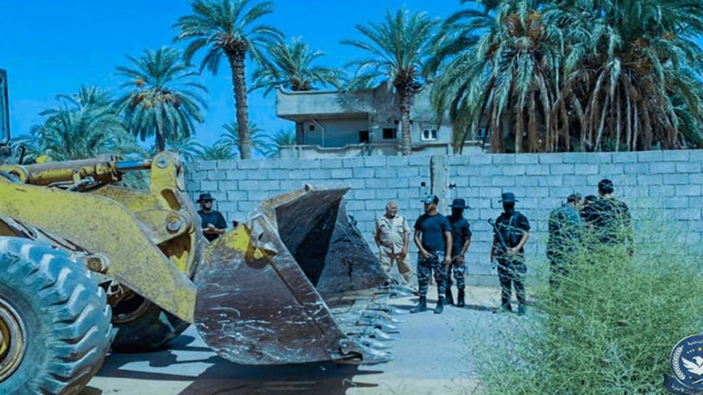 حملة أمنية لوقف الاعتداءات على الأراضي بمشروع كعام الزراعي بمدينة الخمس